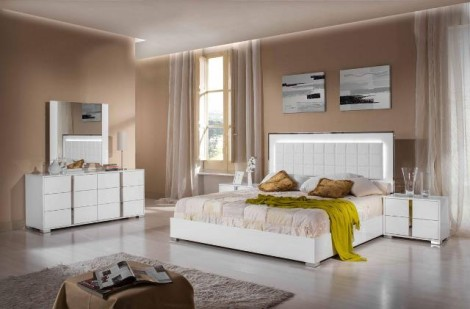 Cape Cod White  5-pcs Bedroom Collection