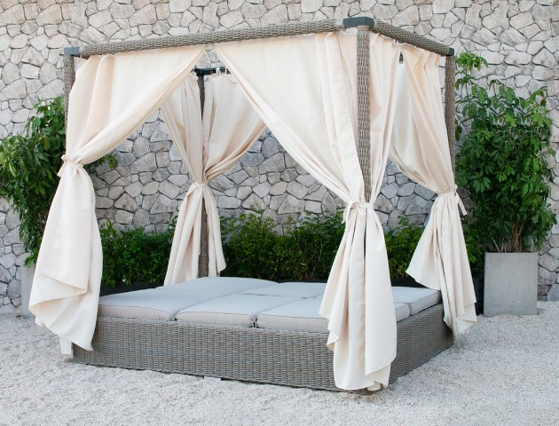 Cabos Outdoor Canopy Daybed